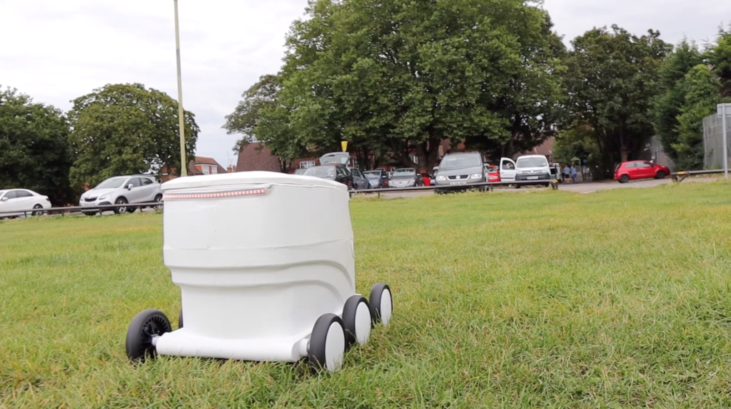 delivery-robot-in-field-2