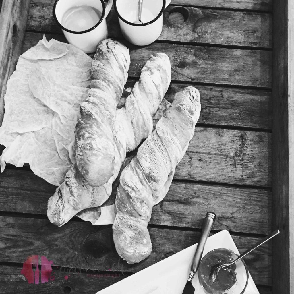 zwirbelbrot, backen, kneten, hefeteig, knusprig, Rezept, idee, einfach kochen, einfaches rezept, rezepte, schweizer foodblogs, foodwerk.ch, foodwerk, foodblog, blog, food, kochen, backen, cook, bake, swiss, swiss foodblog, foodblogger, foodie, instafood, foodblogs, familyblog