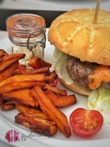 Burger und fries