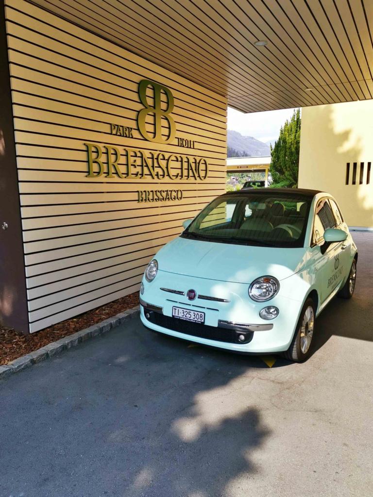 Eingang zum Parkhotel Brenscino Brissago