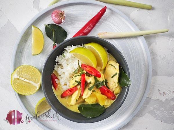 Curry mit Poulet und Ananas
