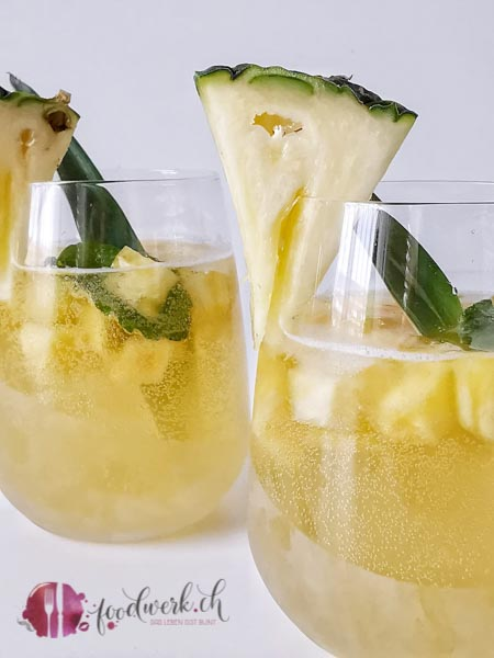 Rimuss Fresh als Ananas Bowle