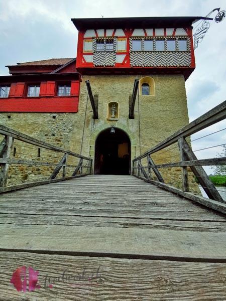 Wasserschloss im Thurgau andere Seite