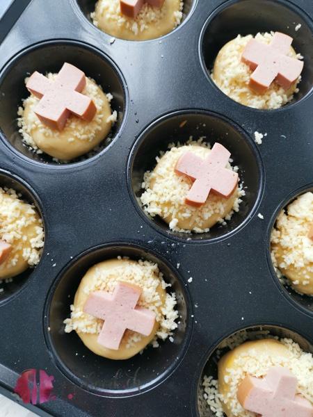 Brioche im Muffin Blech vor dem backen