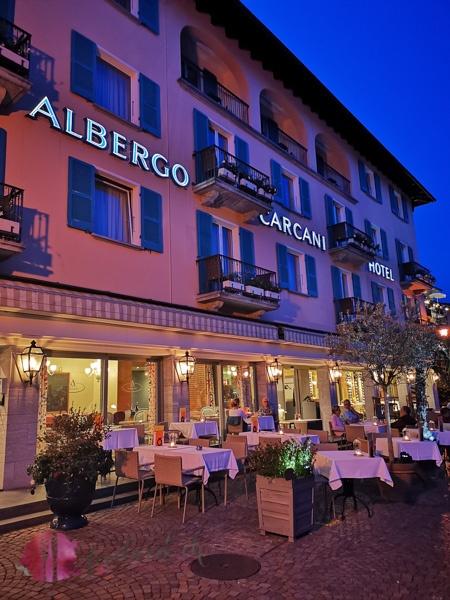 Albergo Carcani by night