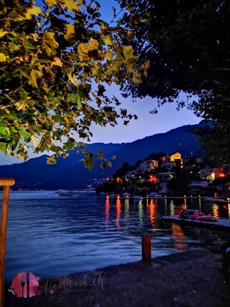 Nacht im Hafen von Ascona