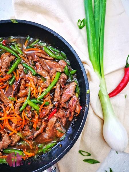 Pfanne mit Mongolisches RIndfleisch