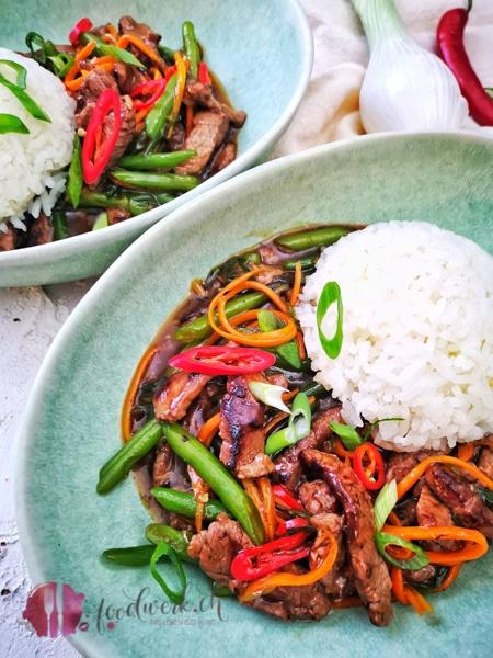 RIndfleisch Mongolischer Art mit Reis