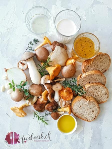 Pilzschnitte schmeckt am besten, wenn die Pilze selber im Wald gesammelt werden. Verwende aber nur Pilze, die du sicher kennst.