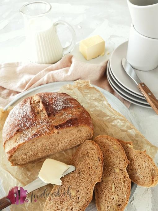 Baumnuss und Süsskartoffel im Brot klein ohne Logo