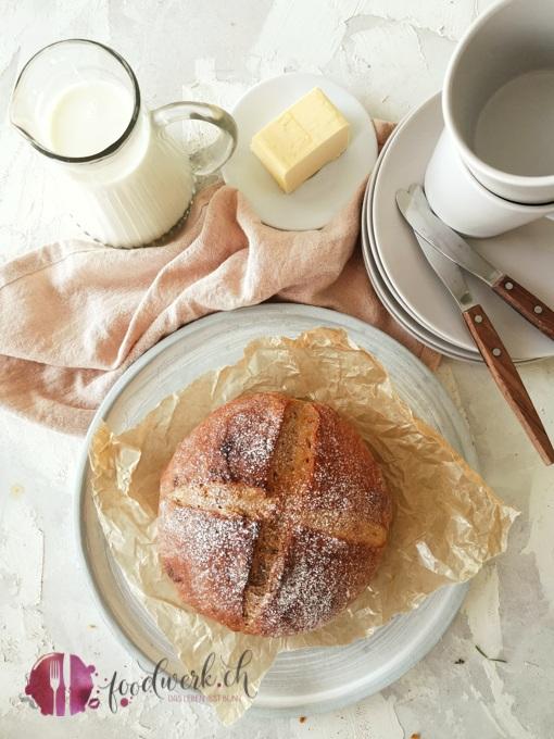 Ganzes Süsskartoffel und Walnuss Brot klein ohne Logo