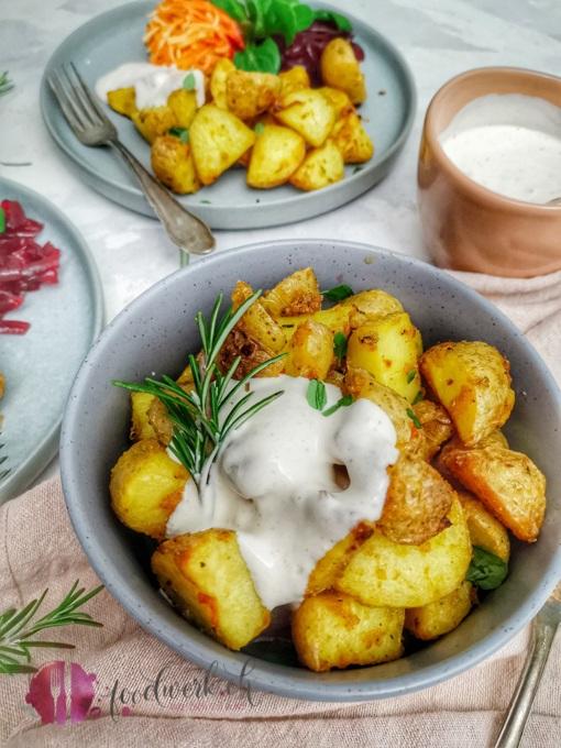 Leckere und knsuprige Kartoffeln mit Dip