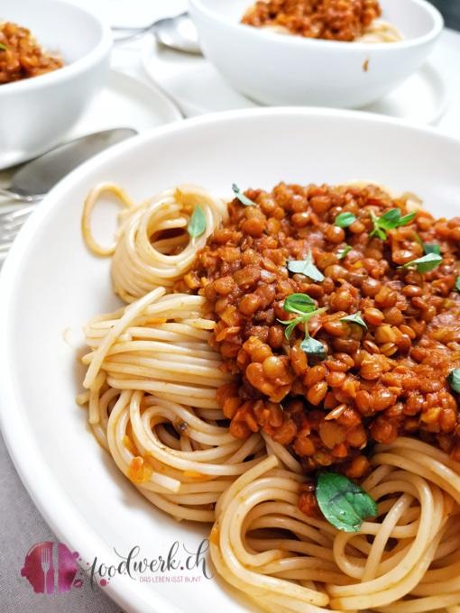 Detail Linsenbolognaise mit Spaghetti