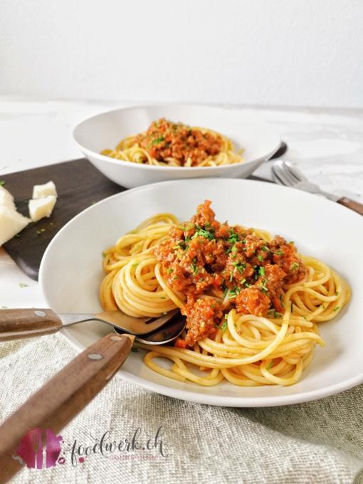 Spaghetti Sbrinzeregg im Teller