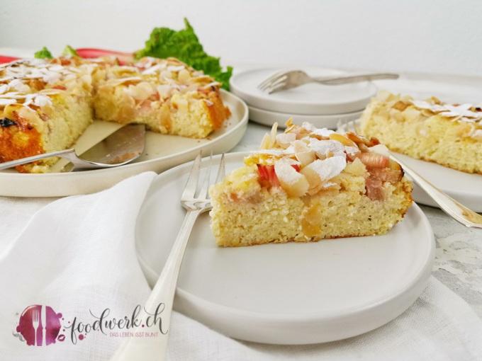 Glutenfreies Rhabarberkuchen Stück 1