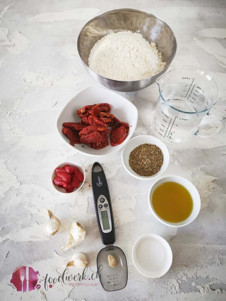 Zutaten Tomatenbrot mit Hefe