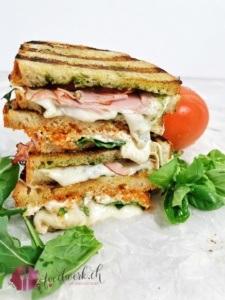 Grill Sandwich als Restenverwertung