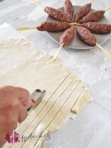 Pizza Teig schneiden