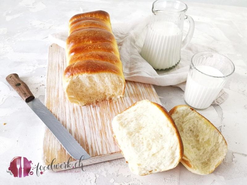Brioche Brot frisch abgezupft