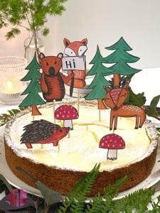 Waldtiere auf zitronigem Quarkkuchen
