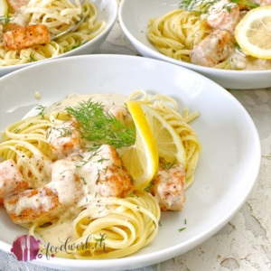 Pasta mit Lachs und Zitrone nah