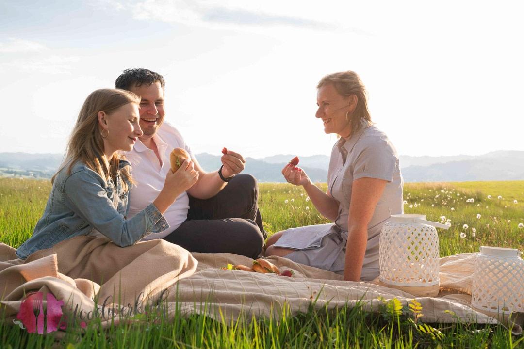 Team foodwerk.ch beim Picknick mit Caro, Tobi & Liv