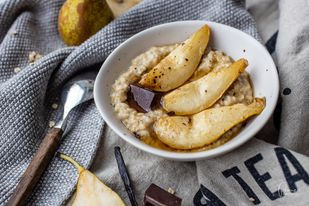 Porridge mit Birnen und Vanille