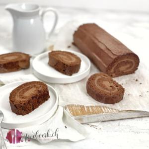 Schokoladen Rolle angerichtet