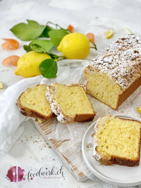 Cake mit Streusel und Dinkelmehl verfeinert mit Vanille Joghurt