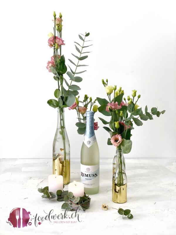 Rimuss fresh Flaschen mit Blattgold als Vase DIY Projekt