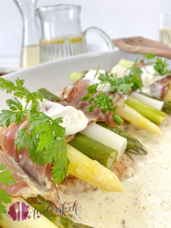 Spargel Schnitzel an Frischkäsesauce