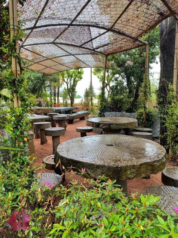 Platz zum Picknicken in der Falconeria