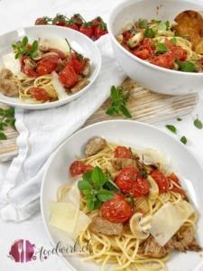 Spaghetti Ticinesi mit frischen Tomaten, Pilzen und Kalbfleisch