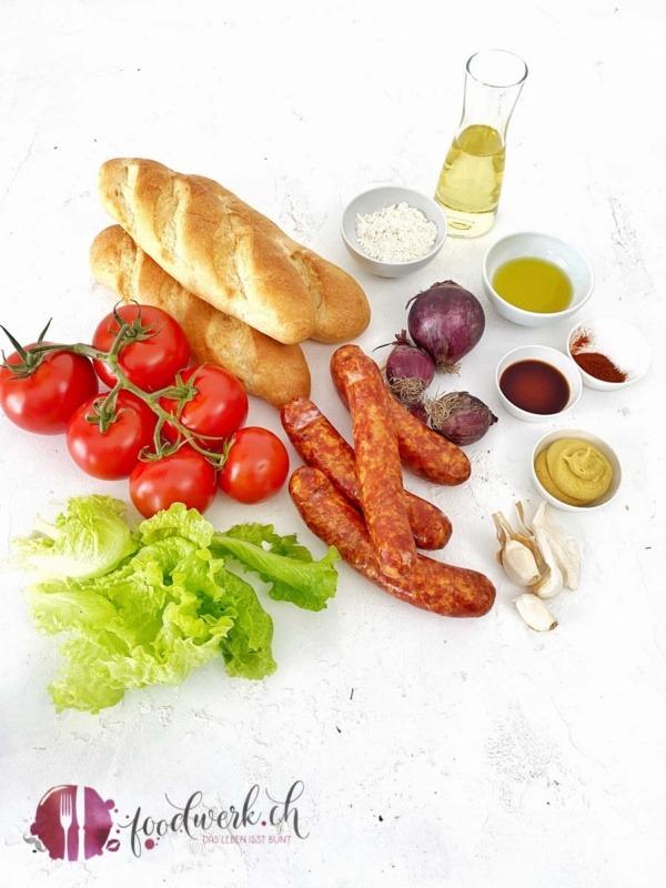 Zutaten für den Grill Hot Dog mit Saucisse d'Ajoie