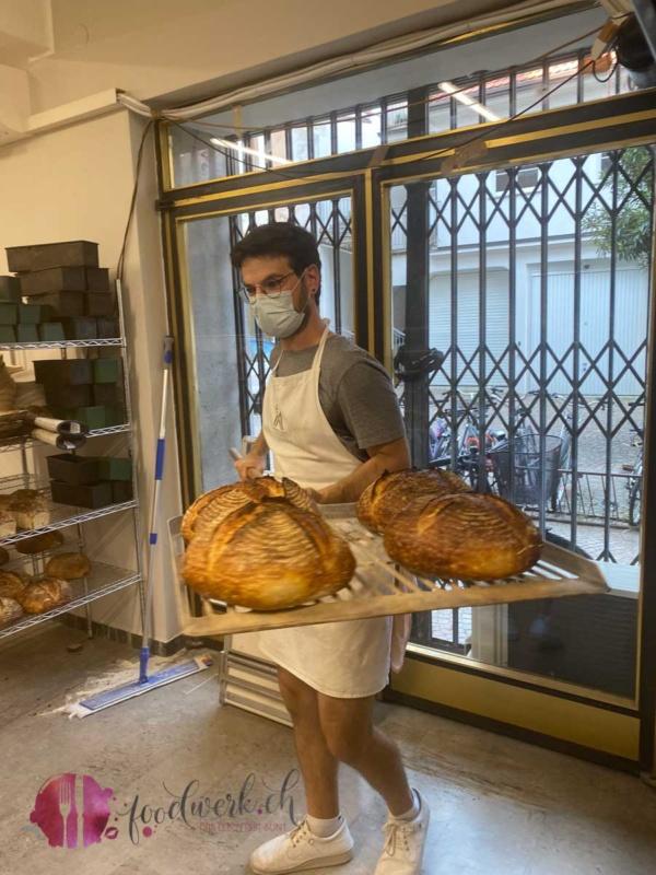 Frisches Brot direkt aus dem Ofen