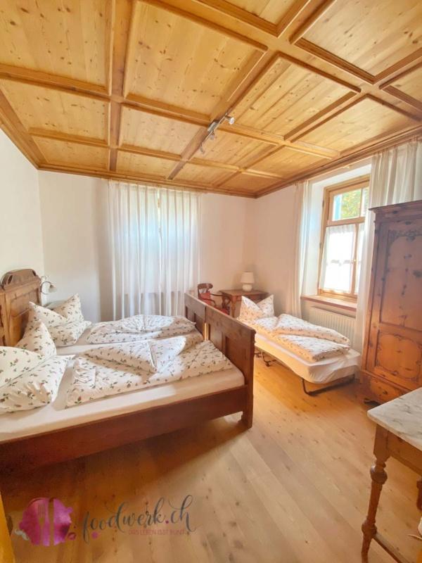 Schlafzimmer im Schlosswirt Forst