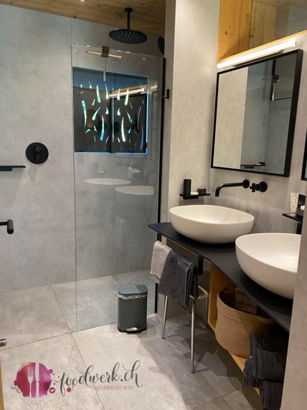 Badezimmer im Appartement im Dorfkrug Mösern