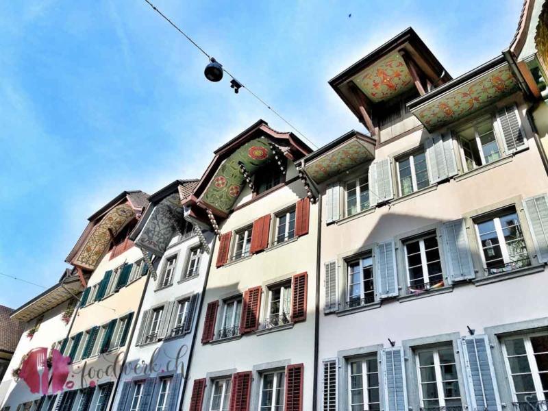 Die schön bemalten Dächer in Aarau