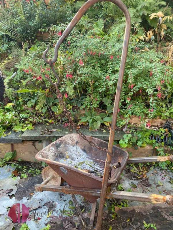 Mobile Grillstelle im Garten von Rebecca