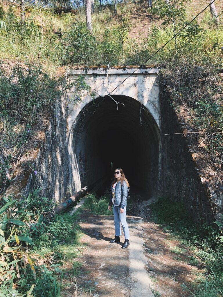Đường hầm xe lửa Dran