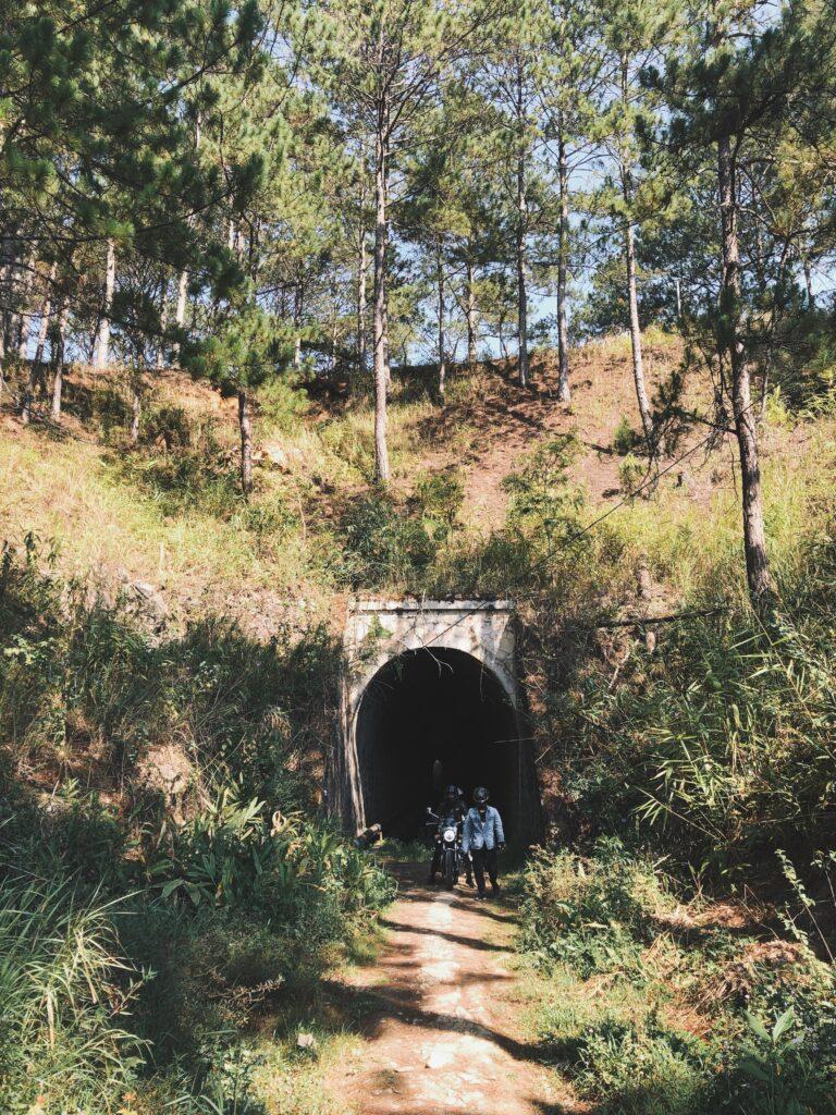 Đường hầm xe lửa