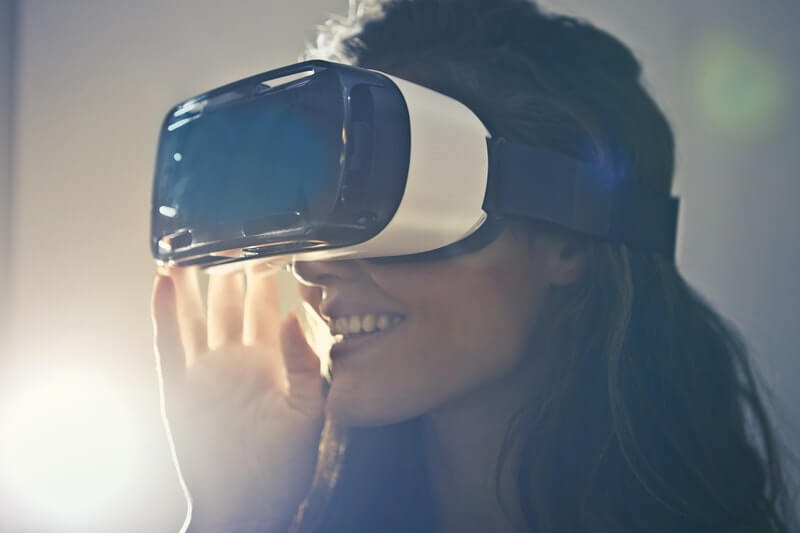 Women with virtual reality headset