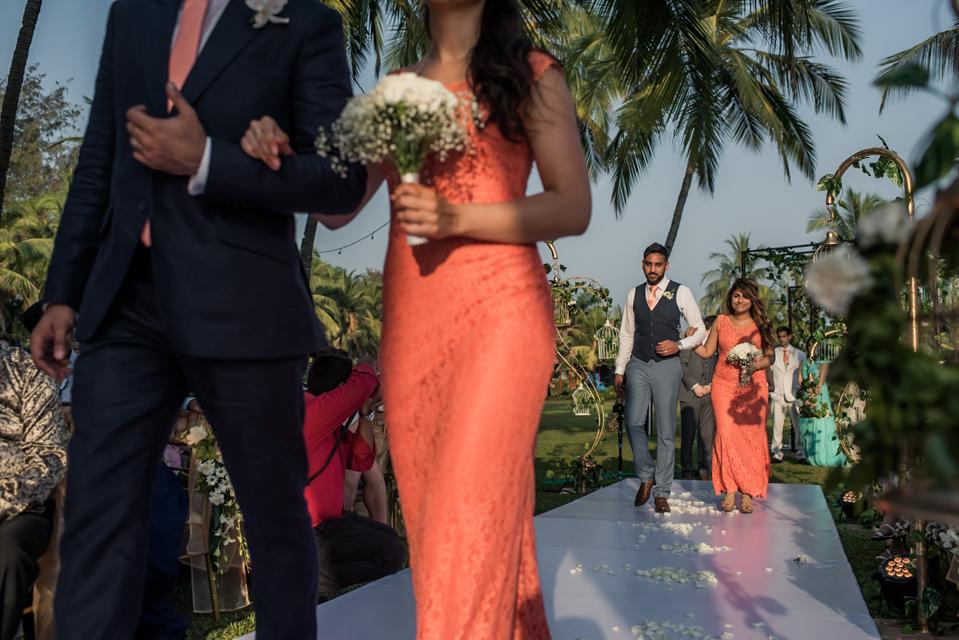 candid goa wedding photographer