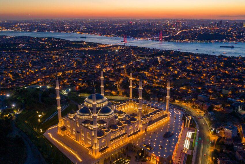 مسجدد تشاملجا اسطنبول