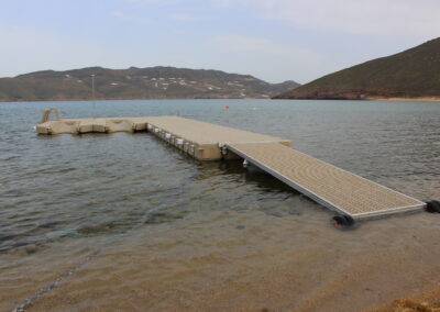Beach front floating dock (23)