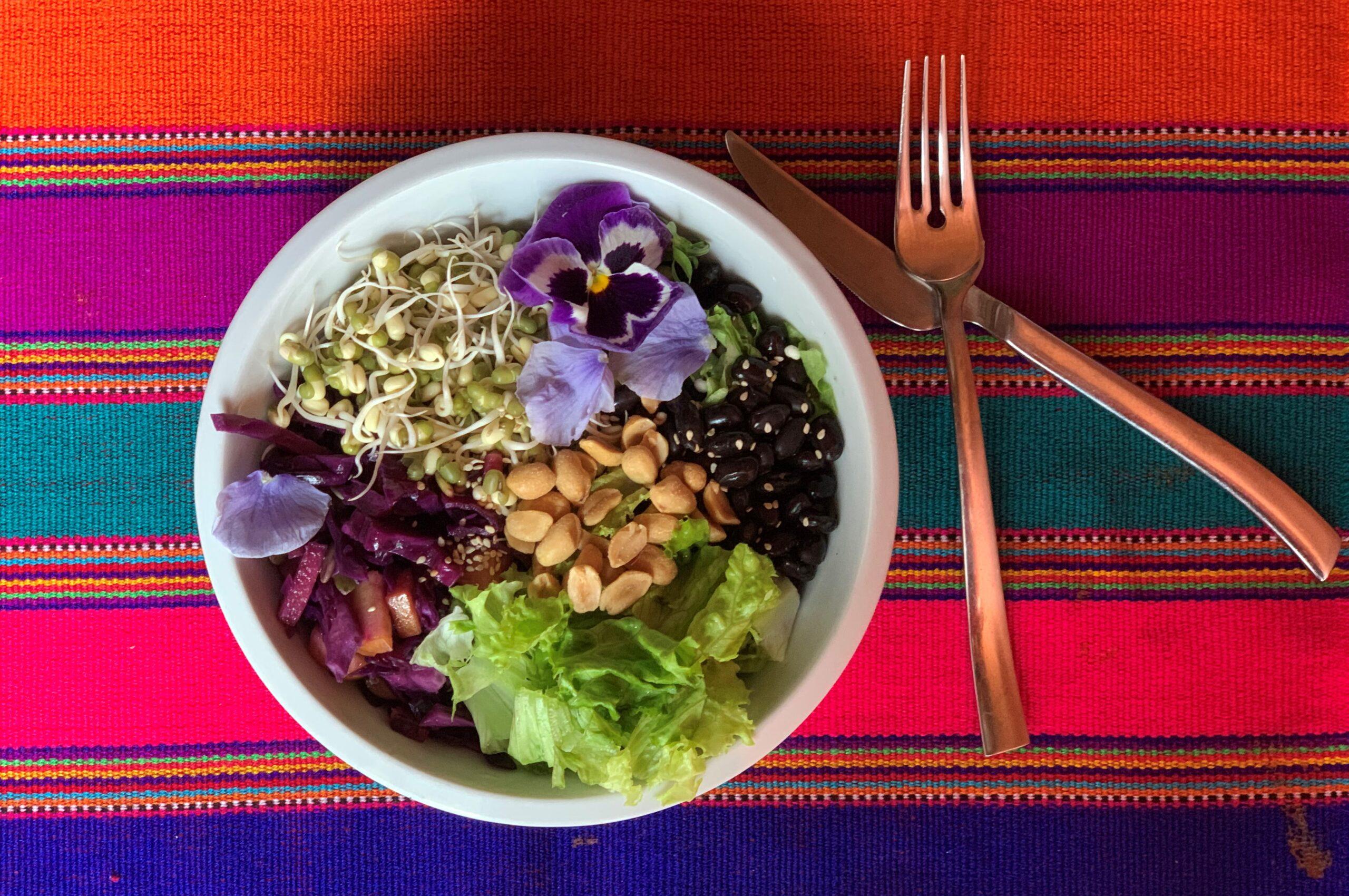 Nurishing salad