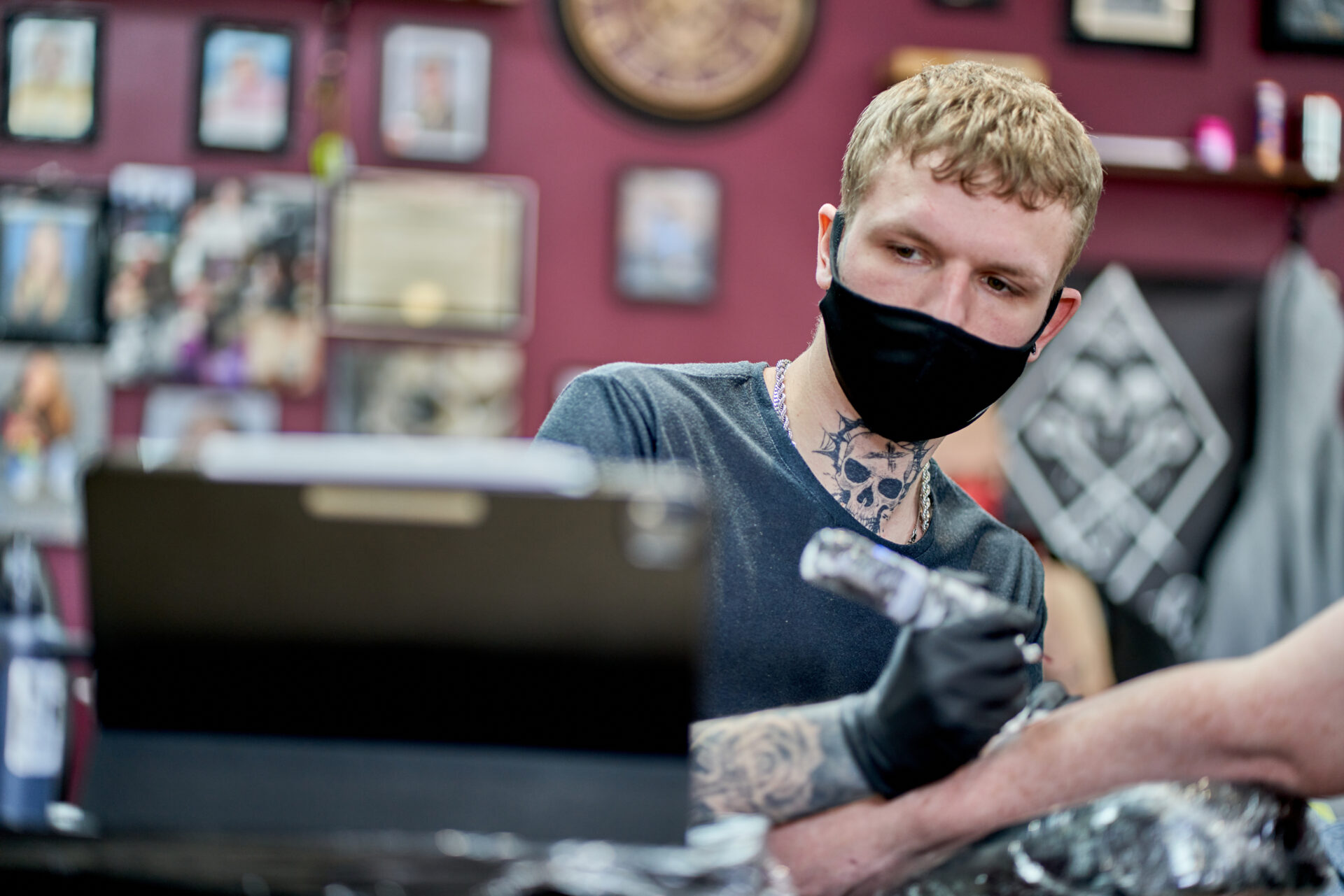 Black Dagger Tattoo Norwich - Photography Blanc Creative 67