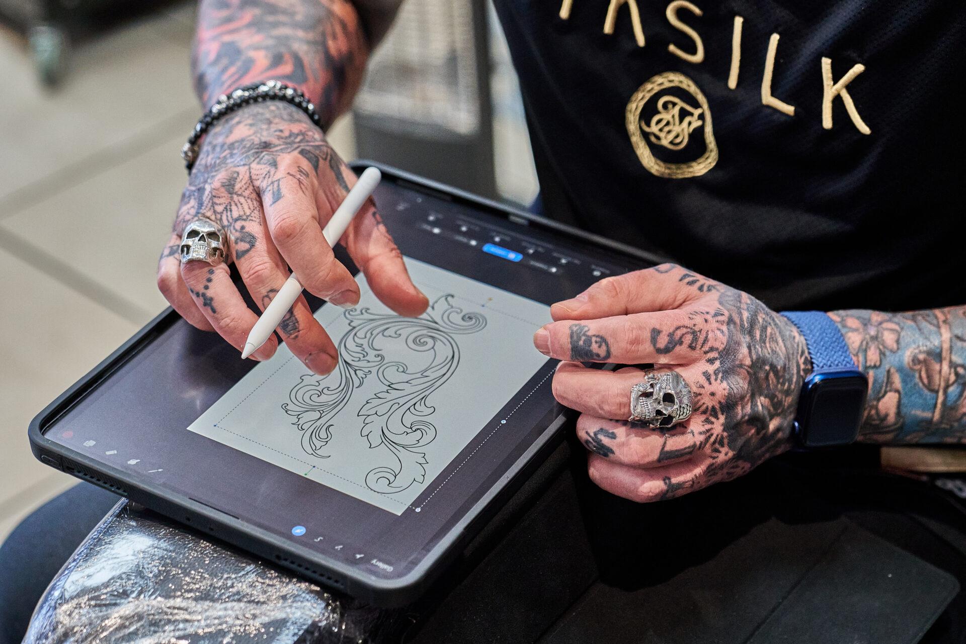 Simon Syder Black Daggere Tattoo 2