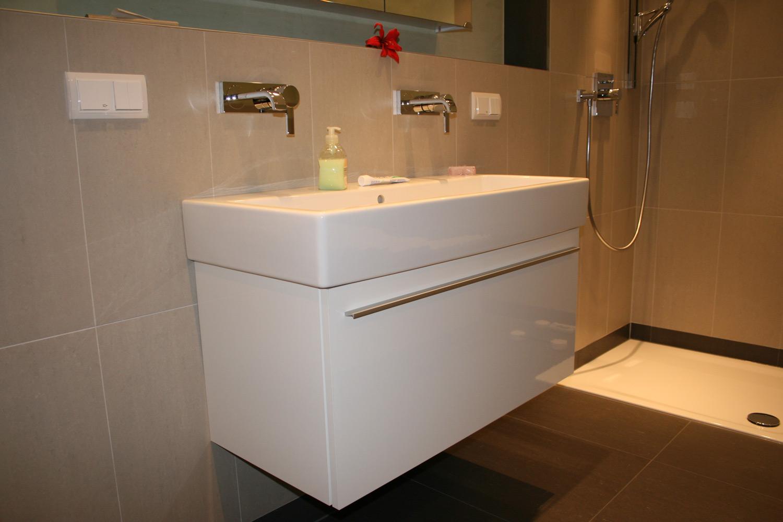 Sanitär und Bad