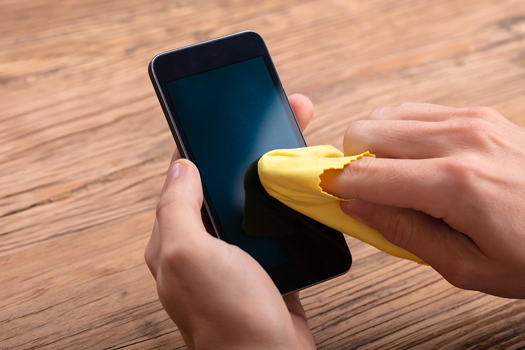Disinfettare smartphone